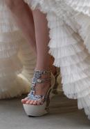 alexander-mcqueen-fall-2011-27-shoe